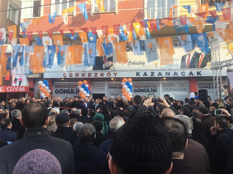 Kozuva'nın Kızılpınar Seçim Bürosu Açılışı Gövde Gösterisine Dönüştü