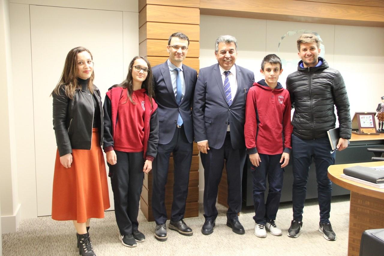 İlkokulu öğrencileri ÇOSB Başkanı Eyüp Sözdinler ile röportaj yaptı…