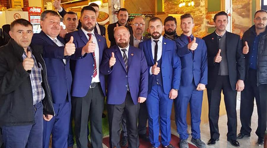 """Karakoç'tan Çok Sert Gönderme,""""Belediye Binasına Rüşvet alan da veren de melundur'"""" tabelasını takacağız"""