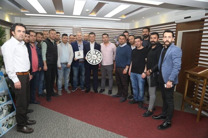 Berber Esnafı Başkan Çetin'e Hayırlı Olsun Ziyaretinde Bulundu