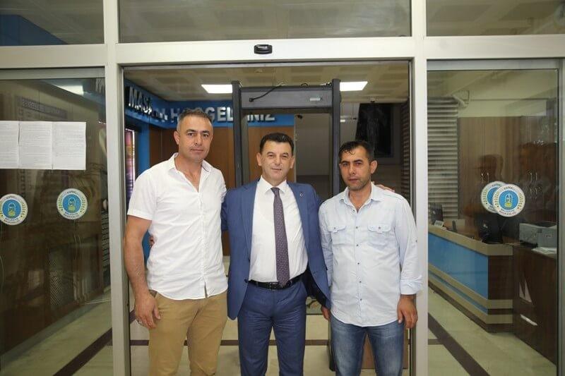 Mustafa Çetin'den İki Çalışana Özel Tebrik