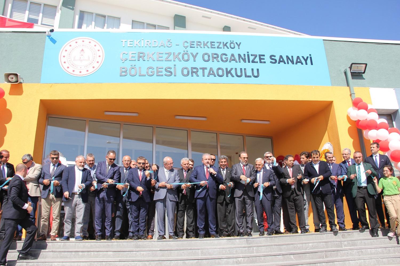 ÇOSB Ortaokulu'nun açılışını TBMM Başkanı Prof. Dr. Mustafa Şentop yaptı
