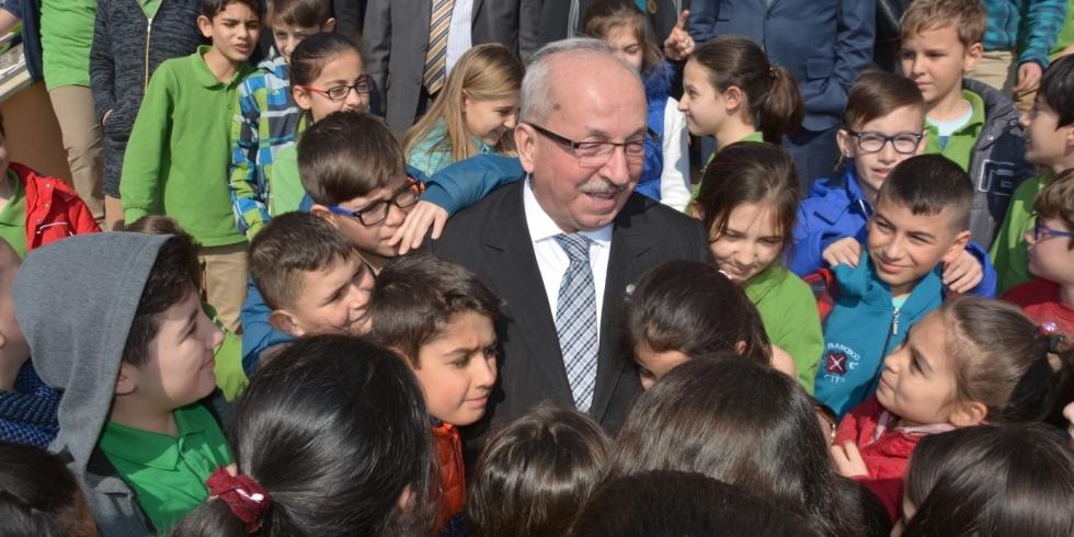 Başkan Albayrak'ın Dünya Çocuk Günü Mesajı