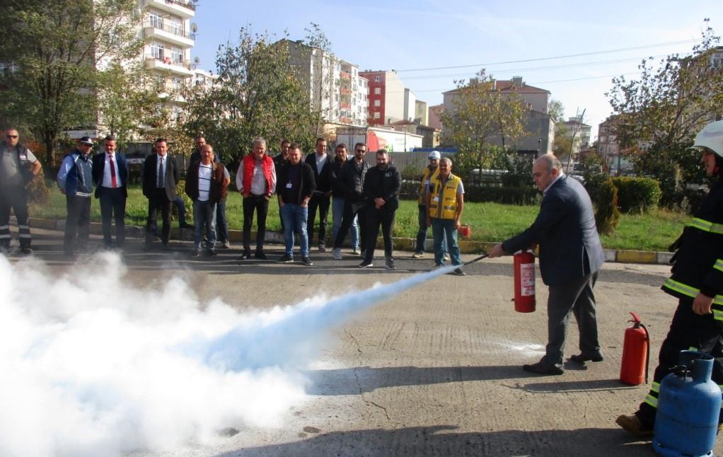 Belediye Personeline Yangın Söndürme Eğitimi Verildi