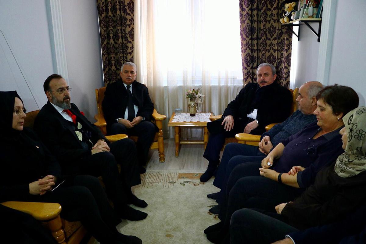 TBMM Başkanı Prof. Dr. Mustafa Şentop Uçak Kazasında Yaşamını Yitiren Koşar'ın Ailesini Ziyaret Etti
