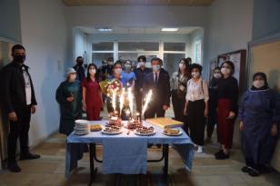Başkan Çetin'den Hemşirelere Pastalı Kutlama